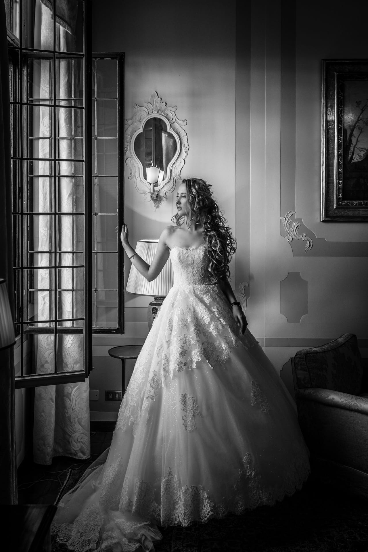 https://righiphotography-com.s3.eu-central-1.amazonaws.com/wp-content/uploads/2020/02/02183348/Weddin-Photo-Classic-Style-Studio-Fotografico-Righi-RIGHI-20.jpg