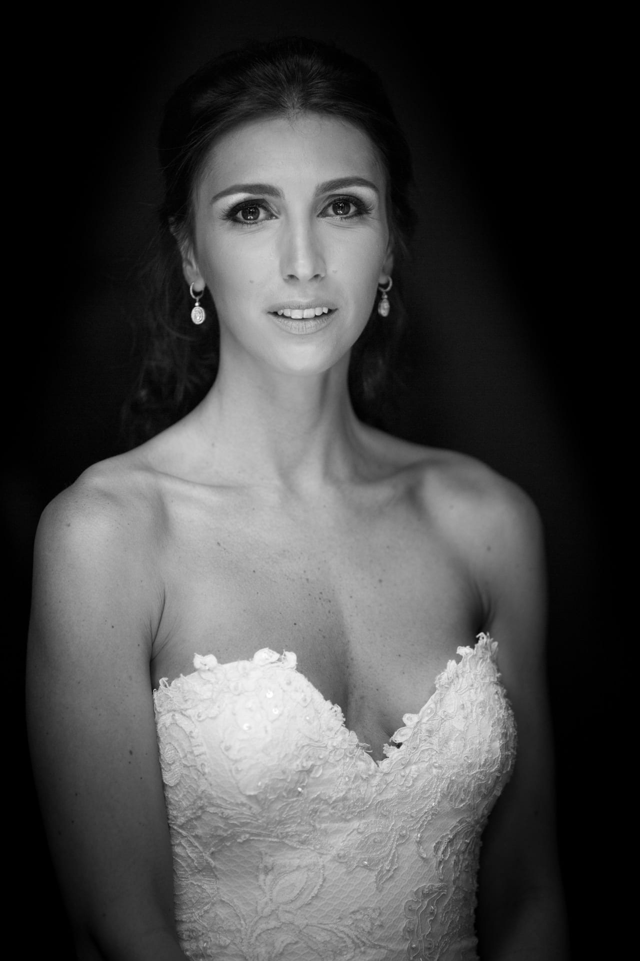 https://righiphotography-com.s3.eu-central-1.amazonaws.com/wp-content/uploads/2020/02/02183355/Weddin-Photo-Classic-Style-Studio-Fotografico-Righi-RIGHI-4.jpg